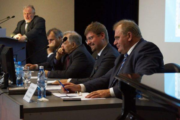 ФАНО России обсудило с сибирскими учеными будущее российской науки
