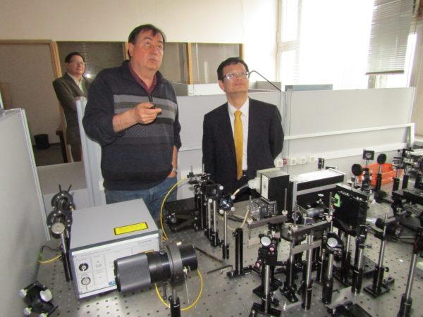 Профессор Чжао-Мин ФУ посетил НТЦ УП